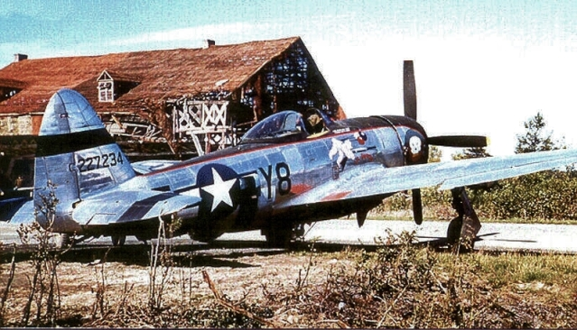P-47 Thunderbolt4
