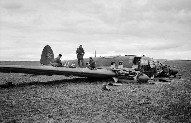 Heinkel He 111 Bomber Heinkel He-111   World...